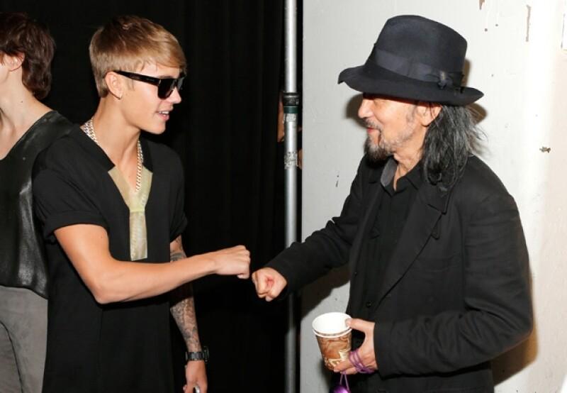 Bieber con el diseñador Yohji Yamamoto.