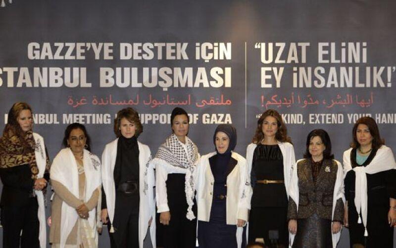 Las mujeres de líderes de Turquía, Qatar, Siria y Jordania, entre otros países, se reunieron en Estambul, Turquía, para pedir que Israel cese sus ataques a los palestinos.