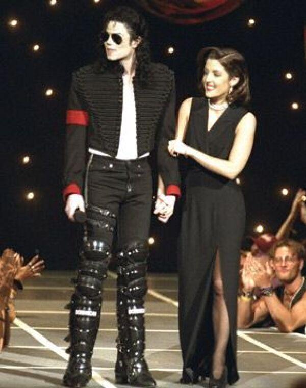 Lisa Marie lo acompañó en 1994 a los MTV Awards.