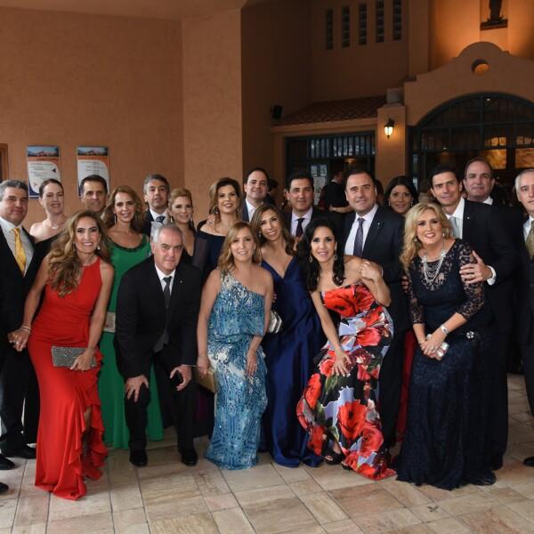Grupo de asistentes a la misa.jpg
