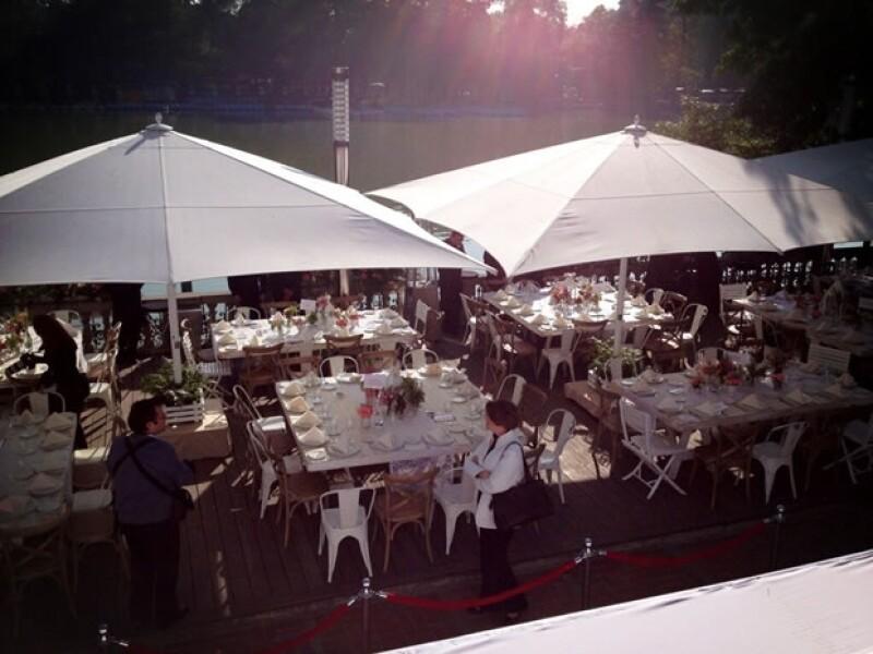 El desayuno se realiza en Casa del Lago.