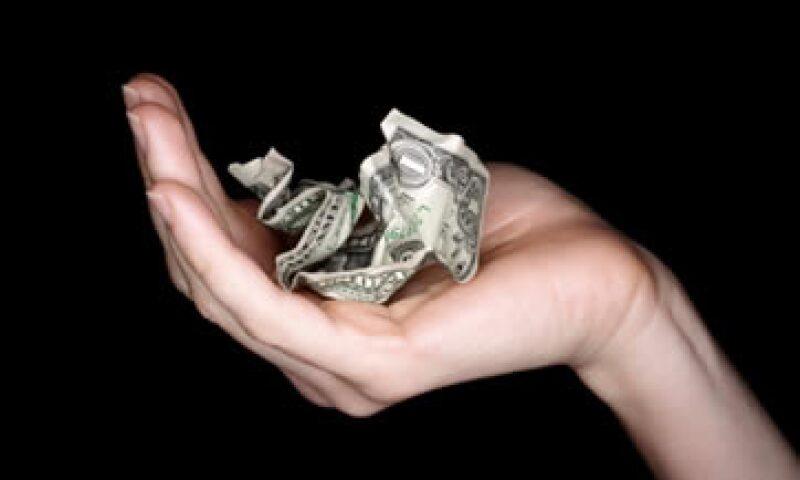 Una opción que tienes es colocar parte de tu dinero en una cuenta de un banco estadounidense que ofrezca inversiones en moneda extranjera. (Foto: Thinkstock)