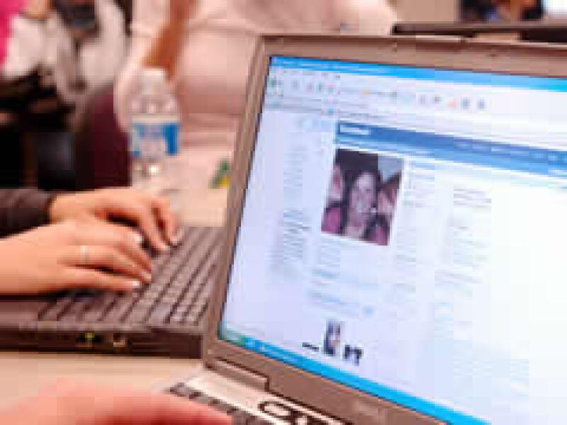 Los sitios surgidos de la Web 2.0, como Facebook, carecen en su mayoría de un modelo de negocio. (Foto: Archivo)