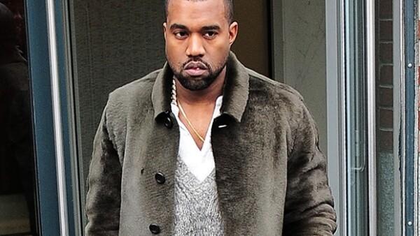 El rapero Kanye West quiere dejar atrás su imagen polémica por lo que se ha marcado como propósito para el nuevo año relajar su fuerte carácter y centrarse en ser positivo.