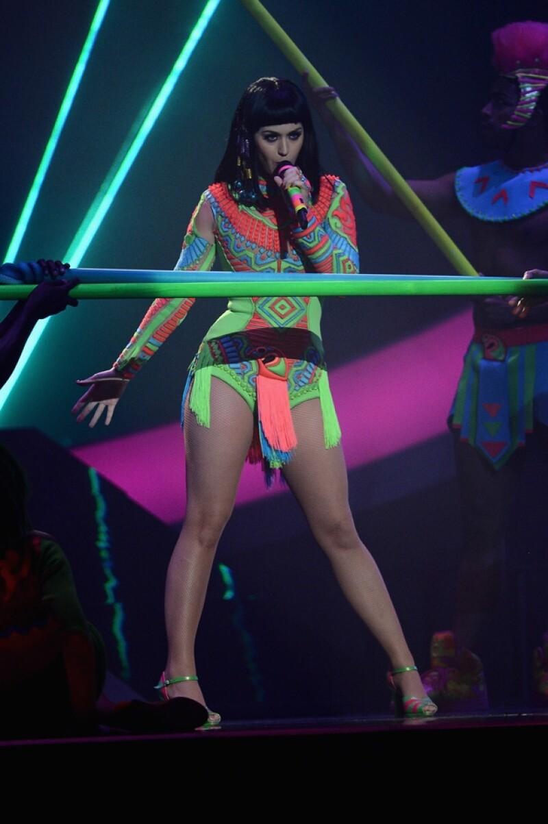 Esta noche la cantante de 29 años rugirá en el Palacio de los Deportes con su 'Prismatic World Tour' repleto de colores, luces, increíbles vestuarios y mucho pop.