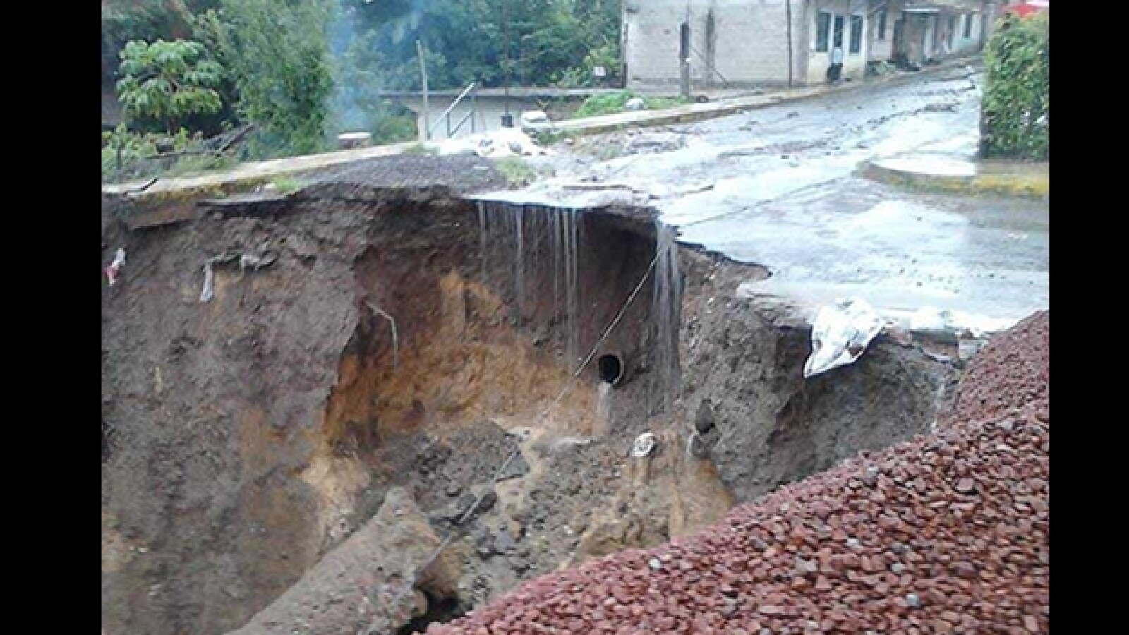 socavon Los Arenales Coatepec inundaciones Veracruz