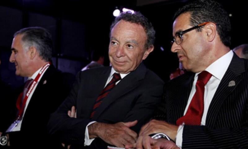 El jueves, medios indicaron que Guillermo Ortiz podría dejar su puesto en el grupo financiero. (Foto: AFP)