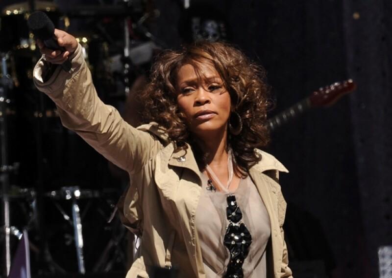 Whitney Houston fue la artista más galardonada de todos los tiempos con un total de 415 premios.