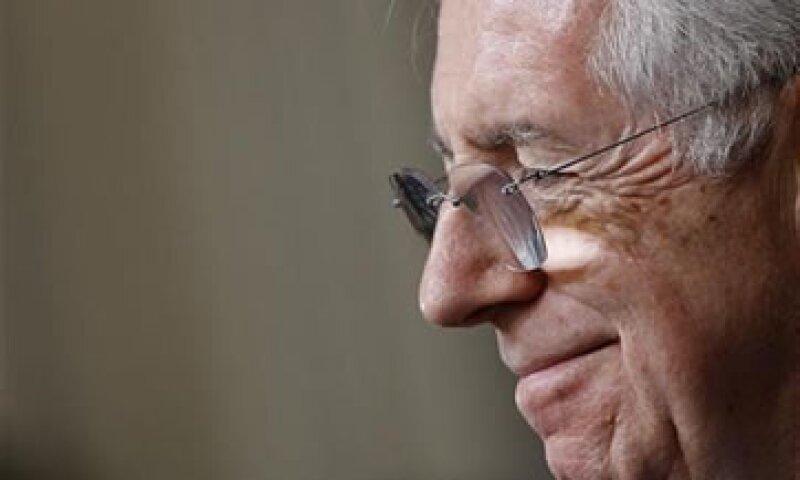 El nuevo primer ministro italiano, Mario Monti, durante una conferencia de prensa en el palacio Quirinale de Roma. (Foto: Reuters)