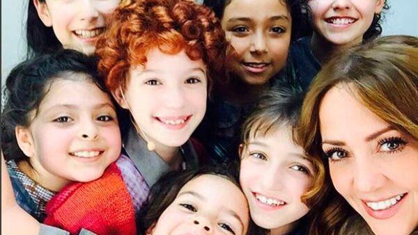 """La hija de 10 años de Andrea Legarreta y Erik Rubín ganó este lunes el premio """"Revelación Infantil"""" que otorga anualmente la Agrupación de Periodistas de Teatro."""