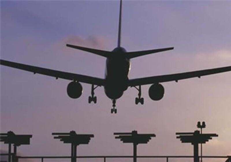 Las mismas autoridades en los aeropuertos piden a los locatarios extender su horario de atención a los pasajeros, cuando las condiciones climáticas se presentan adversas. (Foto:Jupiter Image)