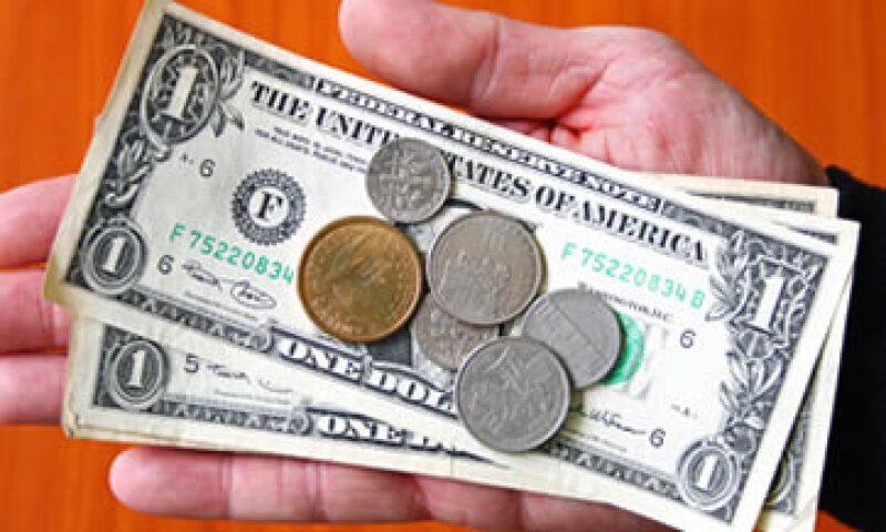 Banco Base estimó que el tipo de cambio oscile entre 12.96 y 13.03 pesos por dólar. (Foto: Getty Images)