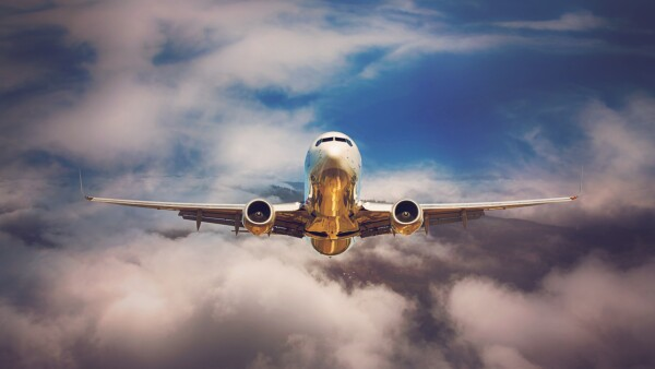 avion vuelo despegue