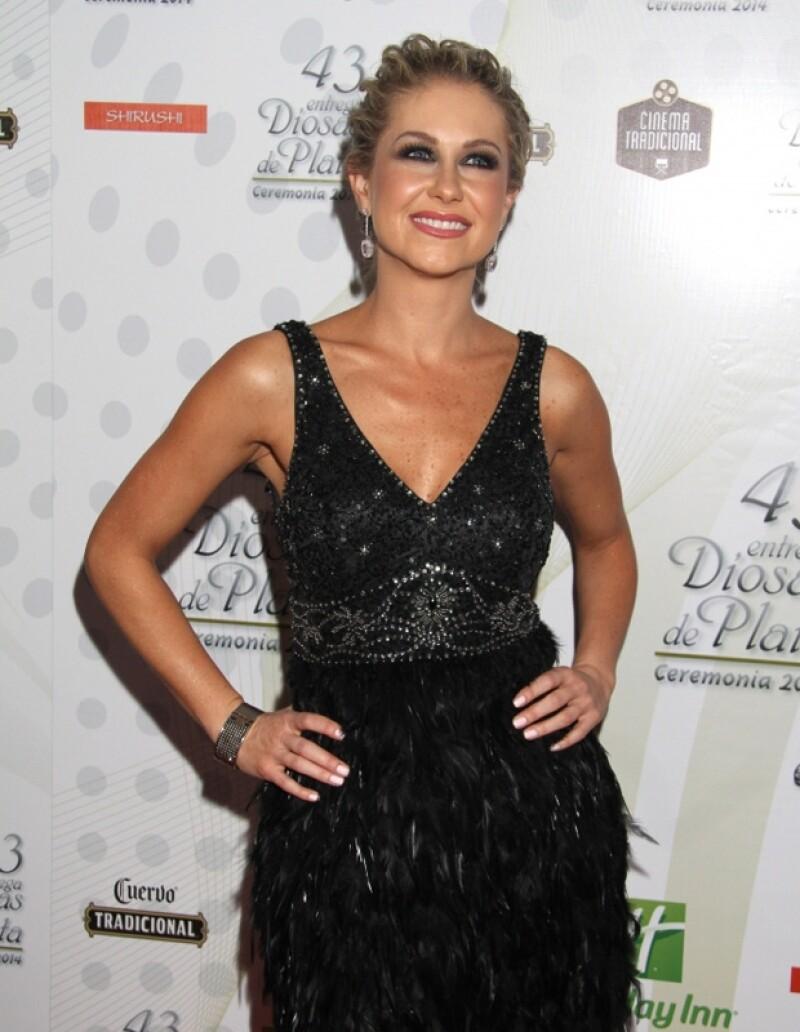 """Ingrid compartió créditos con Jaime Camil y Zuria Vega en la telenovela """"Qúe pobres tan ricos""""."""