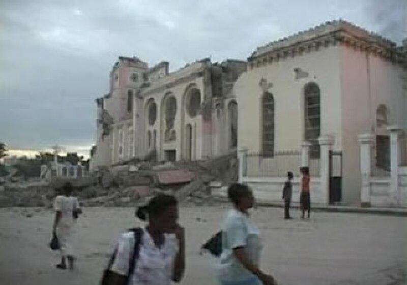 El terremoto provocó la caída de varios edificios. (Foto: Reuters)