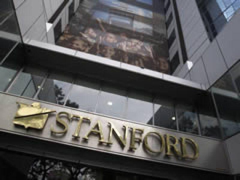 La Comisión de Valores de Estados Unidos acusó el martes a Stanford por un fraude valuado en 8,000 mdd. (Archivo)