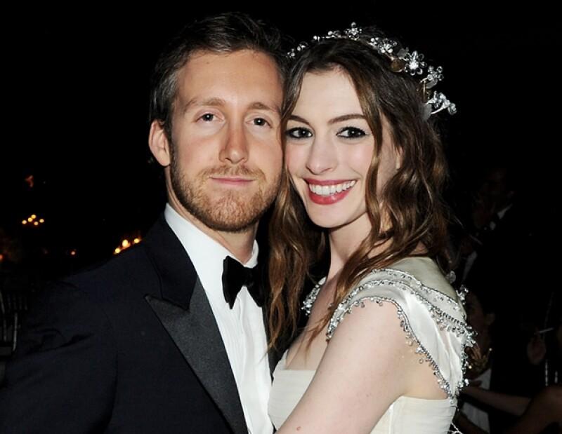 La pareja lleva cuatro años de relación y ambos siguen viéndose igual de felices. Aquí Anne luce como muchos hubieran preferido verla.