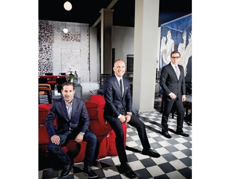 Moisés y Rafael Micha con su socio Carlos Couturier.