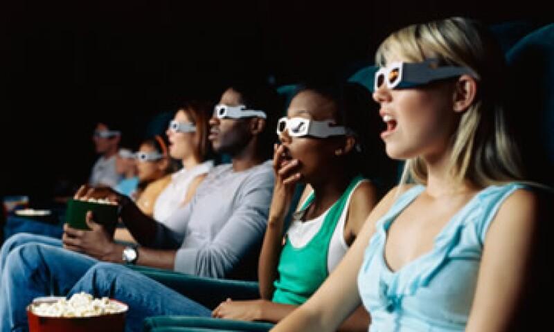 Las cadenas exhibidoras de películas aumentaron en 9.4% sus ingresos en el 2012 al sumar cerca de 10,700 millones de pesos. (Foto: Thinkstock)