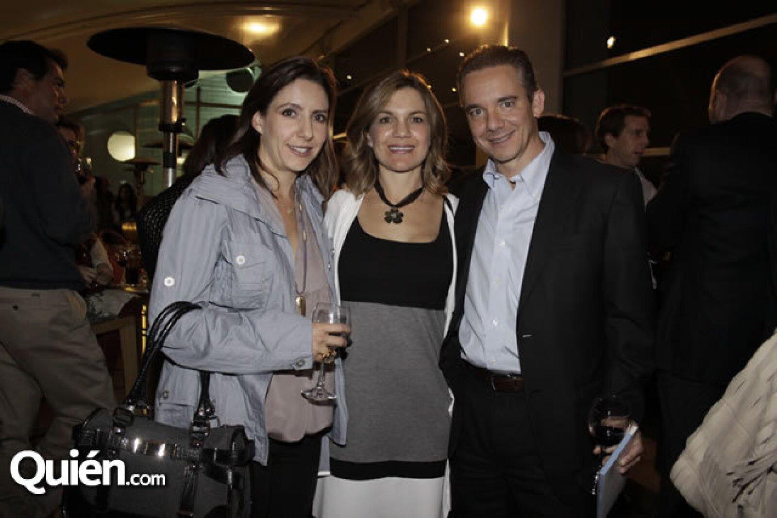 Adriana, Luz María y Toño Puron