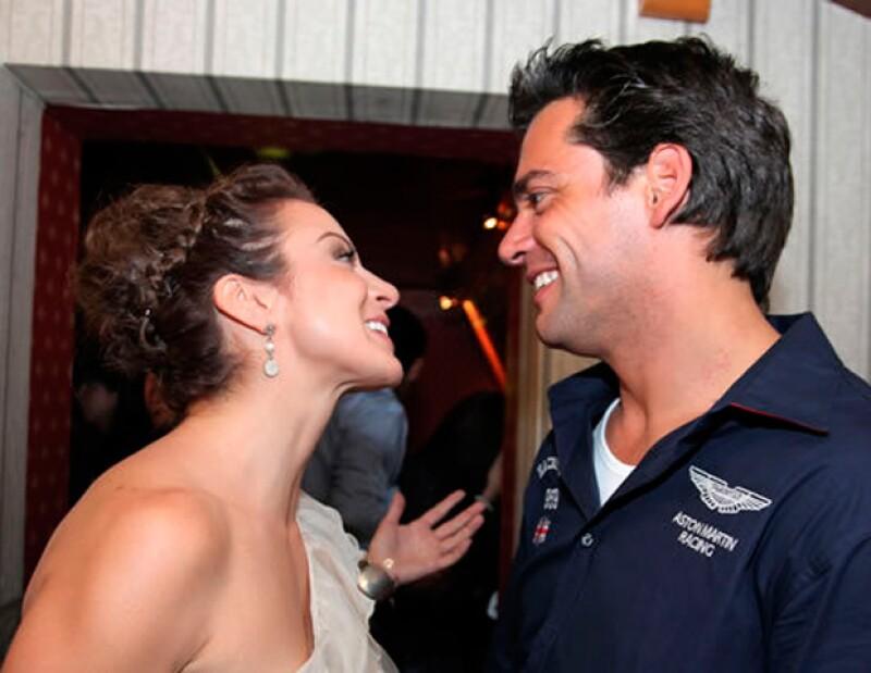 El actor platicó de su éxito en México, gracias a su galanura; compartió la buena química que tiene con Silvia Navarro, y habló de su papel de papá.