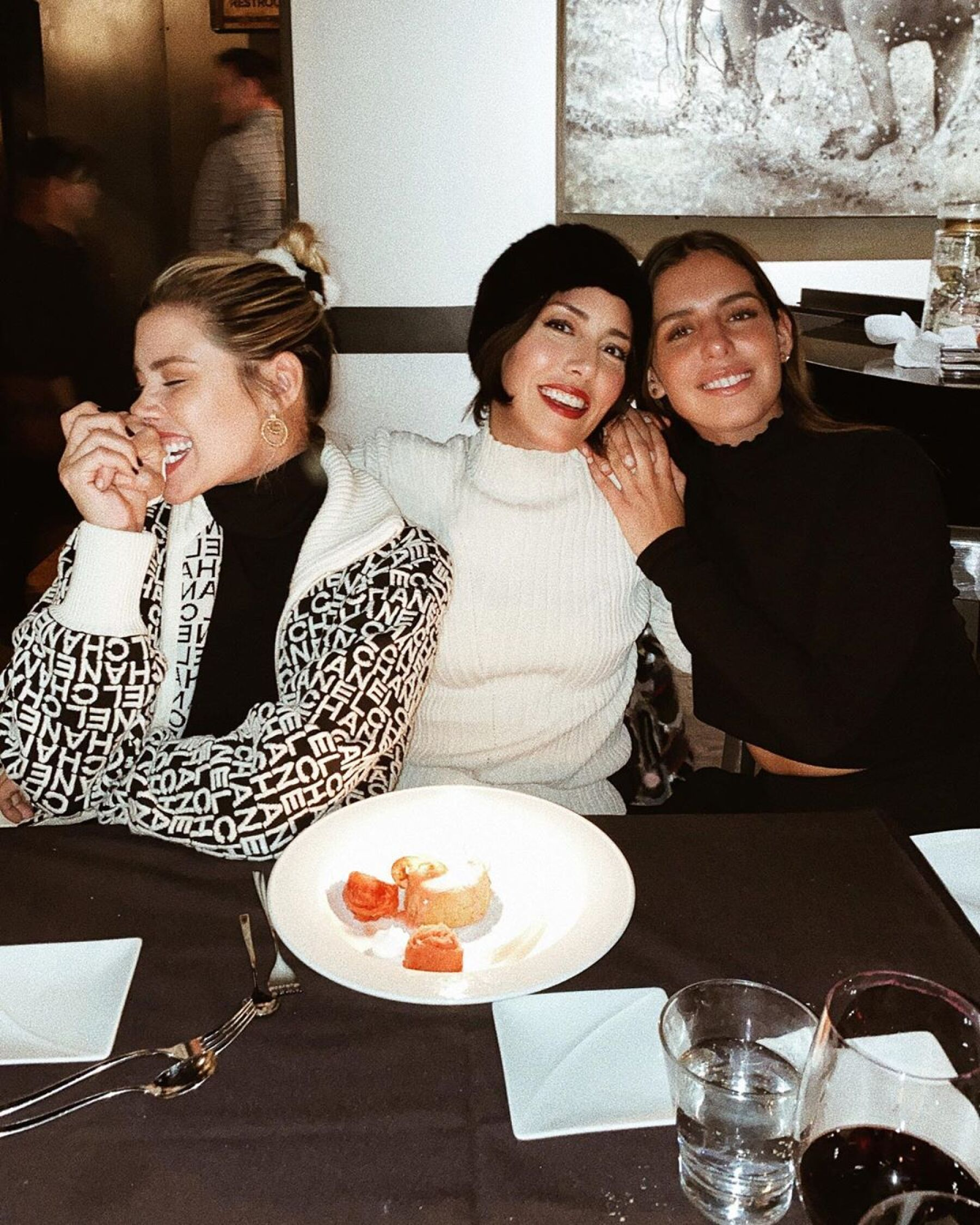Michelle, Stephanie y Camila