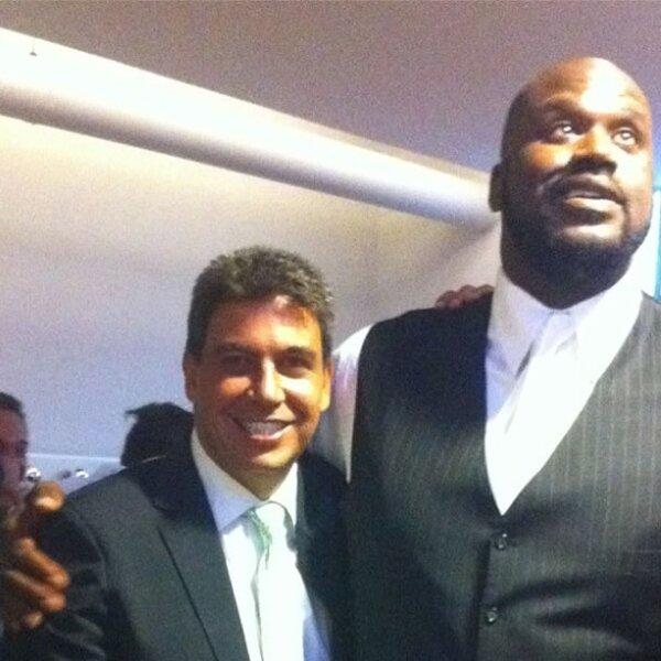 Con el ex basquetbolista Shaquille O´Neal.