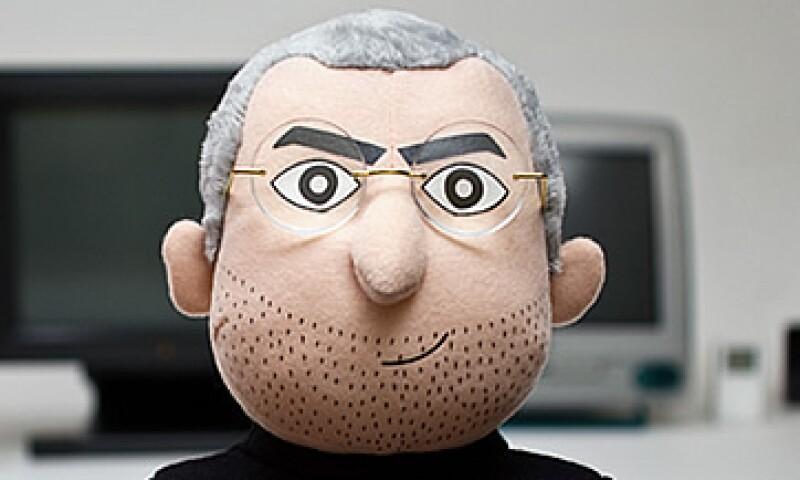 Jobs, cofundador de Apple, y artífice de artilugios populares como el iPhone y el iPad, murió el 5 de octubre de 2011 a los 56 años. (Foto: Cortesía Throwbow Pillows.)
