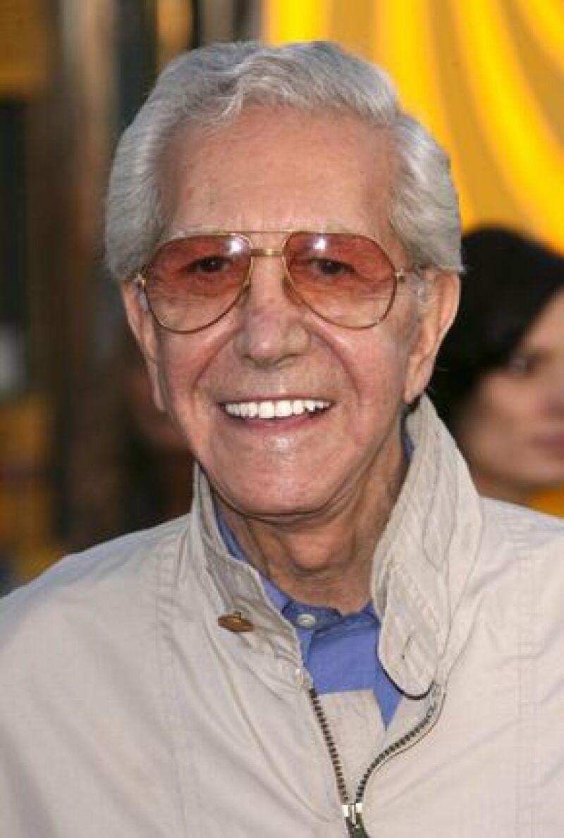 El crítico de moda falleció a los 86 años de edad debido a complicaciones relacionadas con una infección intestinal.