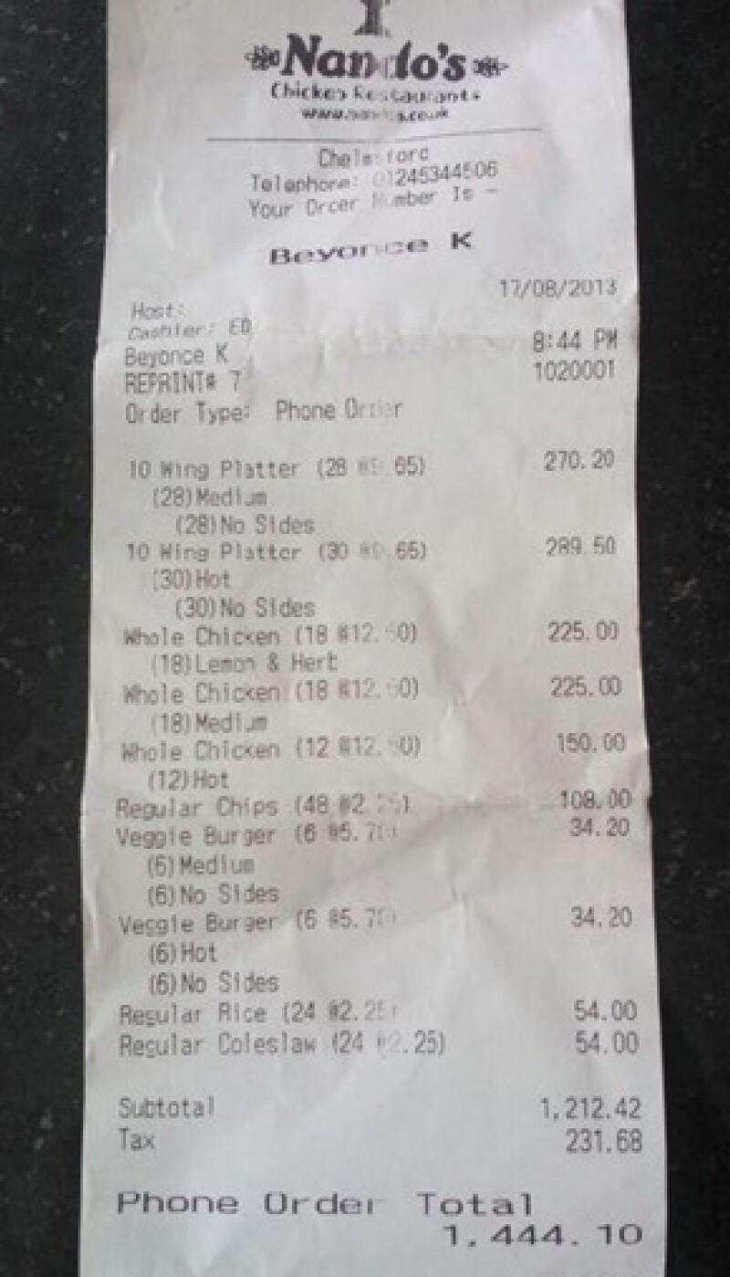 Después de su presentación en Inglaterra, la cantante ordenó a la cadena Nando´s 48 pollos, papas, ensaladas, arroz, hamburguesas y 580 alitas.