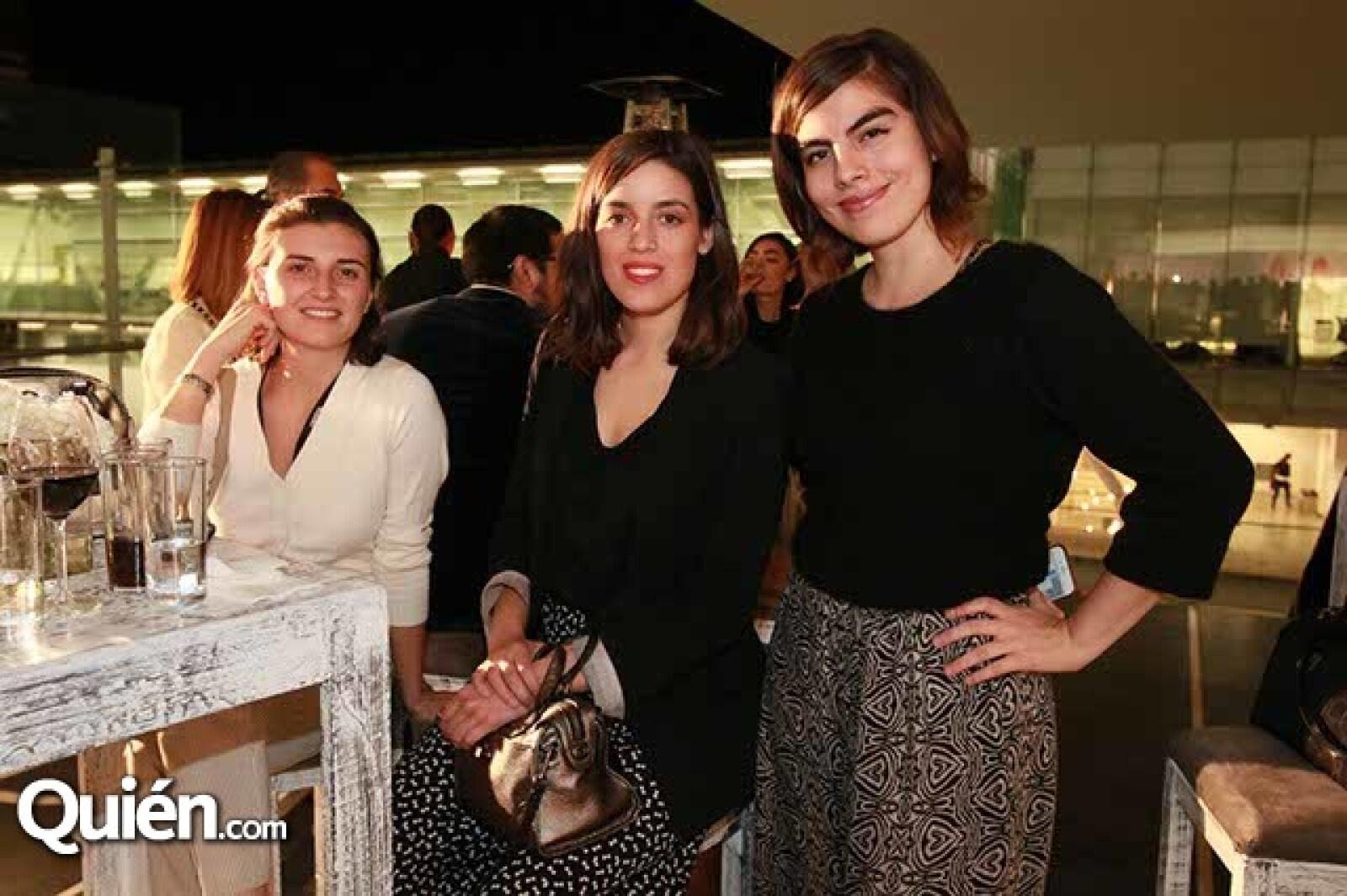 Sofía Álvarez,Carlota Sánchez y Anette Olavarrieta