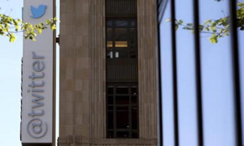 Twitter planea ayudar a editores de medios de comunicación a compartir de manera rápida videos. (Foto: Reuters)