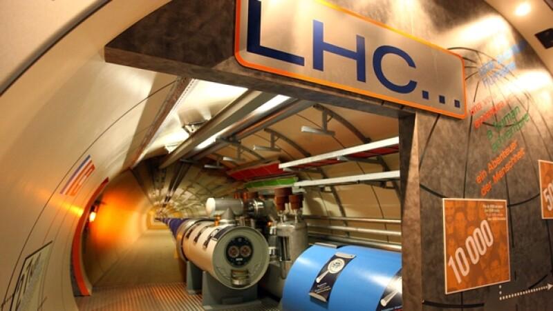 colisionador de hadrones modelo