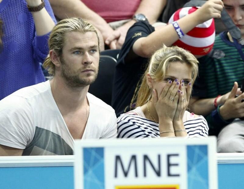 Elsa no pudo contralar su nervios por ver a la selección española.