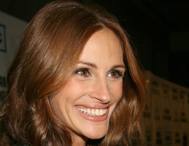 La actriz, famosa por su sonrisa, afirma que uno de los mejores consejos de belleza que le han dado lo obtuvo de su difunto abuelo.