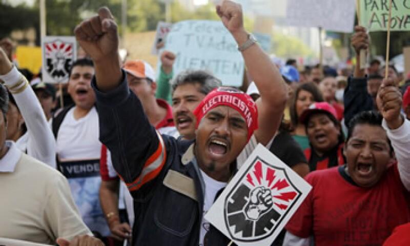 El Gobierno mexicano ordenó en 2009 el cierre de la empresa estatal Luz y Fuerza del Centro. (Foto: AP)