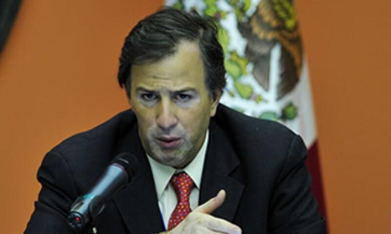 El secretario de Hacienda, José Antonio Meade, reconoció la labor desempeñada por la anterior vocera. (Foto: Notimex)