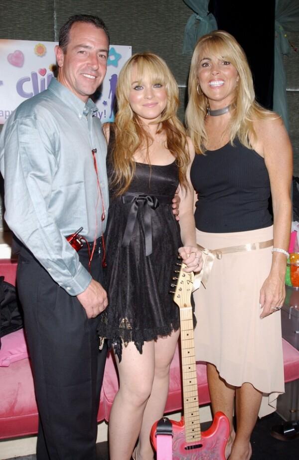 Los padres de Lindsay, Michael y Dina. La joven actriz ha confesado en entrevistas que desde pequeña sus padres la utilizaban para intentar mantener la paz entre la pareja.