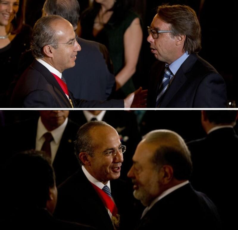 Emilio Azcárraga Jean, presidente de Grupo Televisa y Carlos Slim, presidente de Grupo Carso se encontraban entre los asistentes.