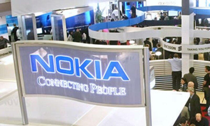 La oferta de teléfonos inteligentes de Nokia pierde terreno rápidamente frente a los que usan la plataforma Android de Google. (Foto: AP)