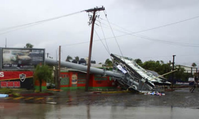 Los daños en infraestructura como postes y cableado podrían evitar que algunos hogares no tengan servicio, dijo Telmex. (Foto: Reuters)