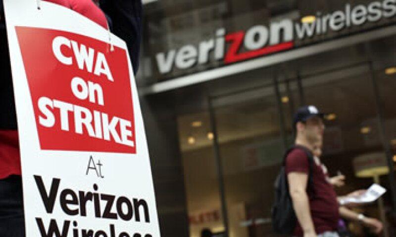 Los empleados de la división de líneas telefónicas que reanudarán actividades trabajan en nueve estados, desde Massachusetts a Virginia. (Foto: Reuters)