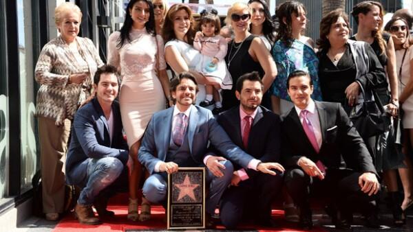 Hasta la pequeña Aitana estuvo presente mientras el actor era homenajeado en Hollywood, sin duda las fotos evidencían la felicidad que representa para todos.