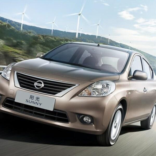 El Sunny fue introducido en 2003 y se convirtió en el primer modelo en el que la automotriz trabajó con la compañía Dongfeng, su aliado dentro del mercado asiático.