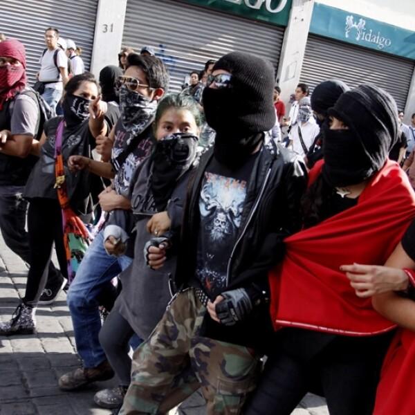 Los anarquistas marcharon por el primer cuadro de la Ciudad de México