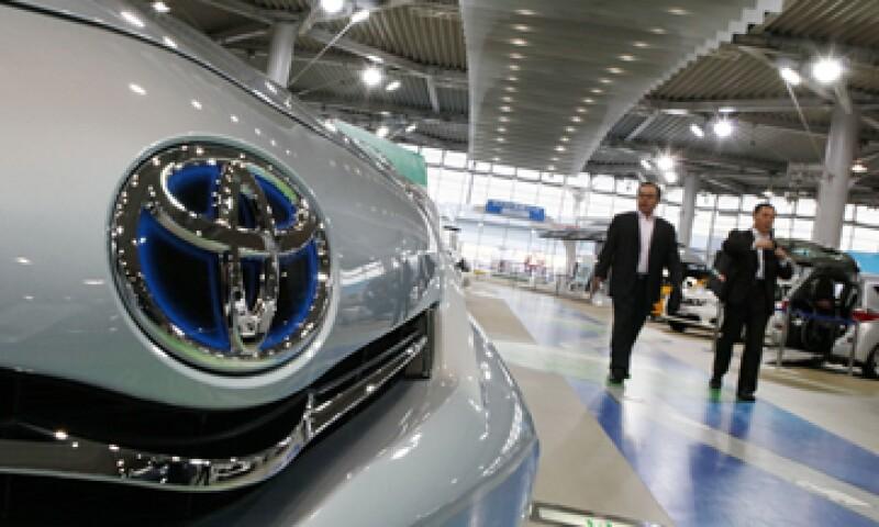La demanda por las principales marcas de autos japoneses en China cayó a la mitad en septiembre y octubre. (Foto: AP)