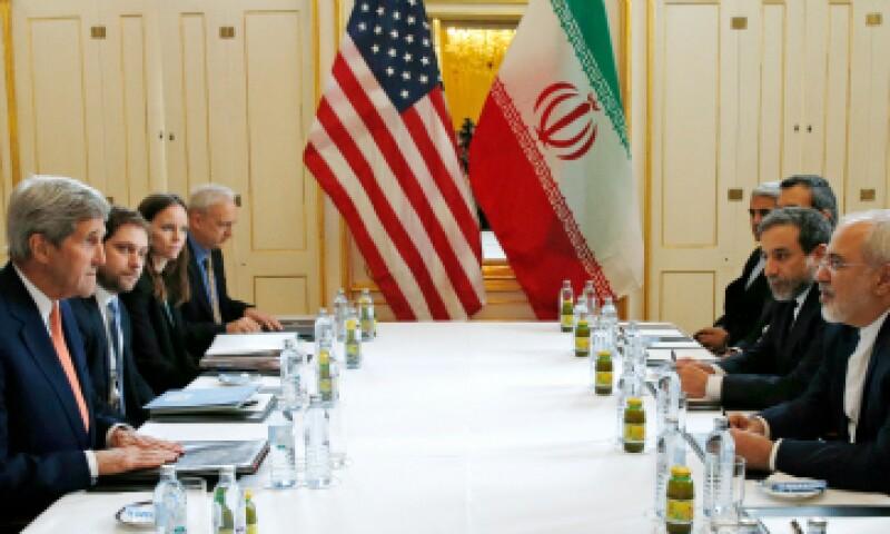 Este sábado el acuerdo nuclear pasa a una nueva etapa. (Foto: AFP)