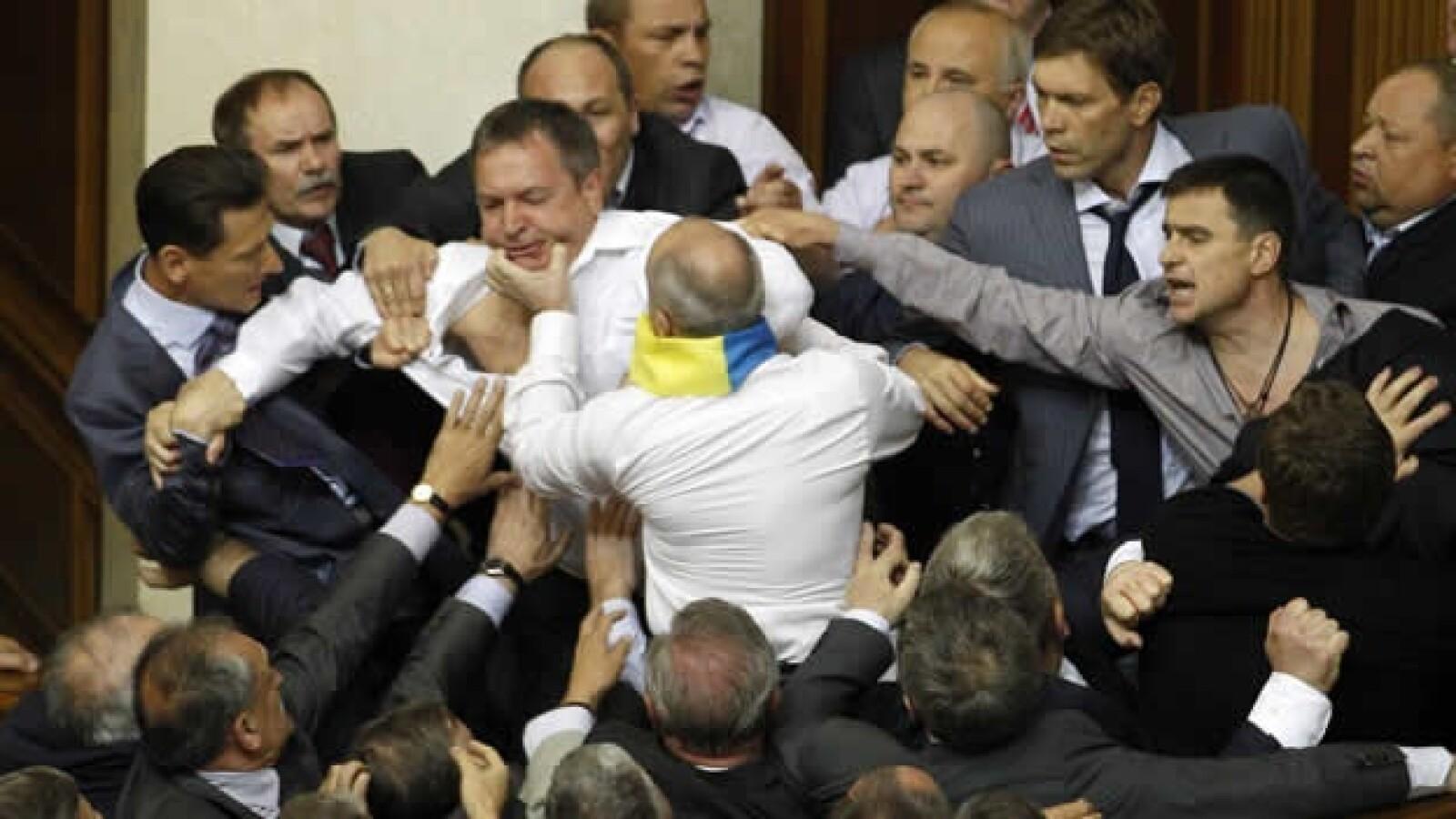 Ucrania Parlamento pelea 7