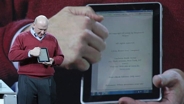 El dispositivo de Microsoft, Slate,  fue desarrollado por HP, cuenta con una pantalla a color de 13.3 pulgadas, web cam, 4gb de memoria RAM y disco duro de 64gb. Su costo estimado será de 600 a 750 dólares.