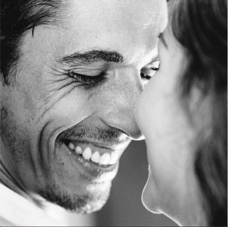 Zuria Vega y Alberto Guerra comparten con sus seguidores sus momentos más románticos. Esta imagen acompañó un lindo mensaje de Zuria en el cumpleaños del actor.